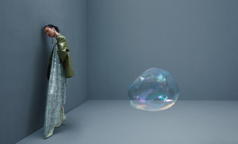 The Colorful Fragile Bubbles