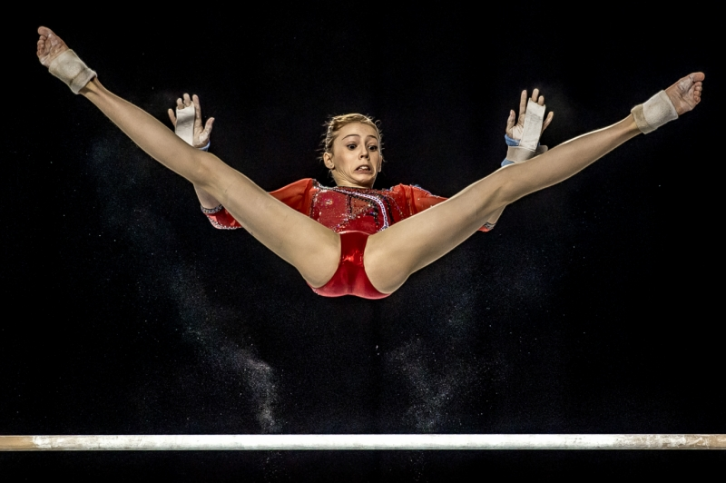 Gymnaste in the Air